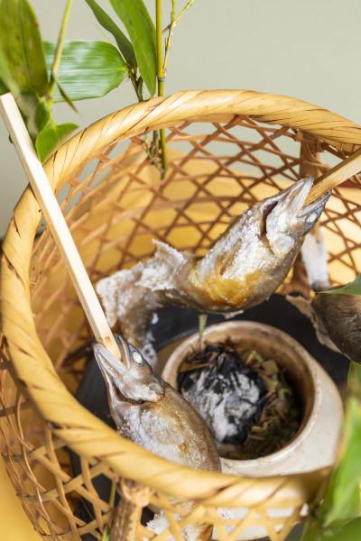 鮎の笹焼き 蓼(たで)酢