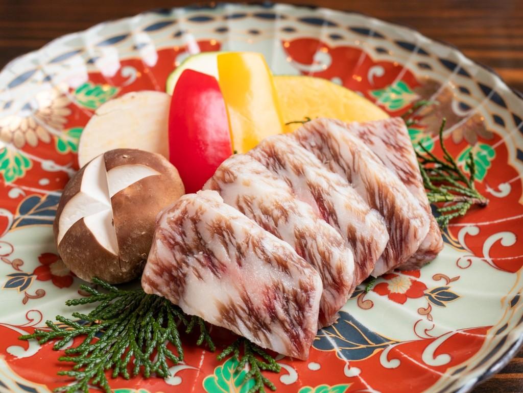 神戸ビーフの酒粕つけ焼き 5,940円(税込)※3日前までに要予約